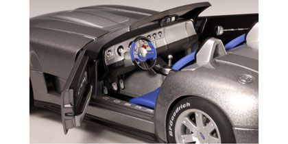 FORD SHELBY COBRA CONCEPT CAR 2004(TUNGSTEN SILVER WITH GREY STRIPE
